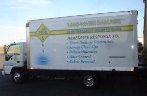 800-water-damage-truck